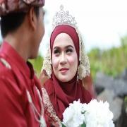 makeup pengantin, pelamin, busana pengantin, katering dan sewaan peralatan perkahwinan.
