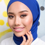 Dyan Women's Beauty