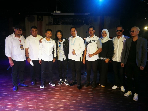 Patriot Entertainment Hiburan Deejay Dan Karaoke Di