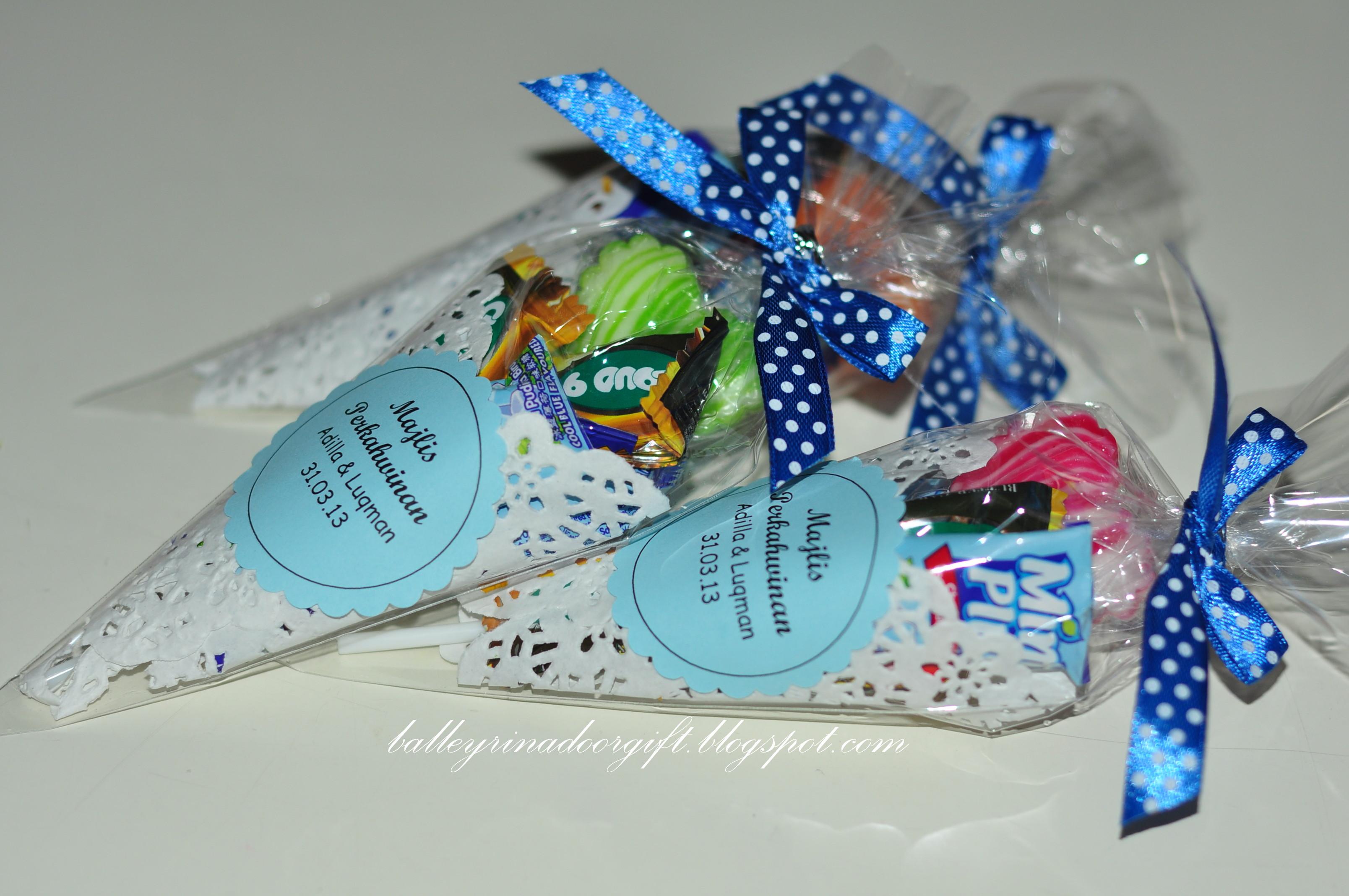 Kanda dinda door gifts joy studio design gallery best for Idea door gift kahwin