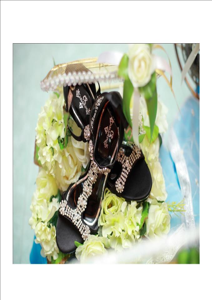 Hantaran pertunangan dan perkahwinan, gubahan bunga menawan dan